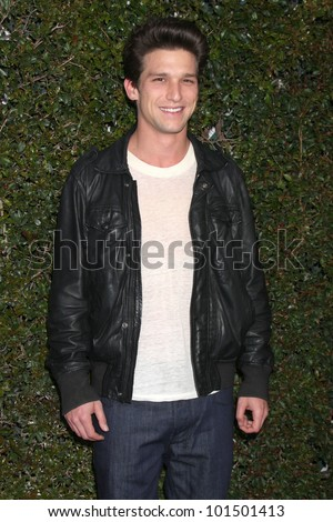 LOS ANGELES - MAY 1:  Daren Kagasoff arrives at the ABC Family West Coast Upfronts at The Sayers Club on May 1, 2012 in Los Angeles, CA
