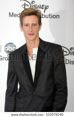 LOS ANGELES - MAY 20:  Gabriel Mann arrives at the ABC / Disney International Upfronts at Walt Disney Studios Lot on May 20, 2012 in Burbank, CA