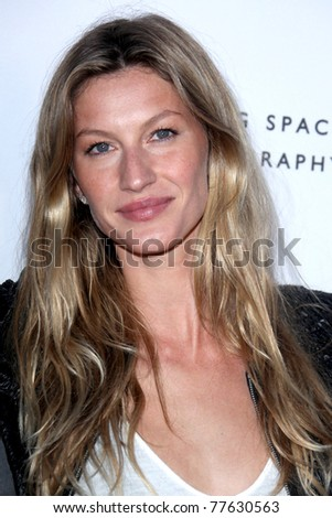 LOS ANGELES - MAY 19:  Gisele Bundchen arriving at the Opening Night of the Beauty Culture Exhibit at The Annenberg Space For Photography on May 19, 2011 in Century City, CA - stock photo