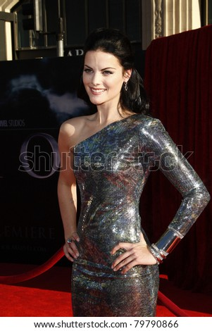 LOS ANGELES - MAY 2:  Jaimie Alexander at the premiere of Thor at the El Capitan Theater, Los Angeles, California on May 2, 2011.