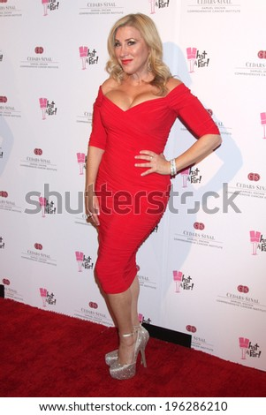 "LOS ANGELES - MAY 31:  Lisa Ann Walter at the ""What a Pair"" 10th Anniv Concert at Saban Theater on May 31, 2014 in Beverly Hills, CA"