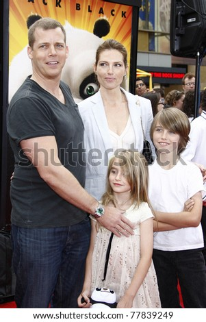 LOS ANGELES - MAY 22:  Tim Griffin and family at the premiere of Kung Fu Panda 2 at the Grauman's Chinese Theater in Los Angeles, California on May 22, 2011.