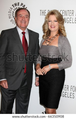 LOS ANGELES - NOV 30:  Al Michaels, Mary Hart arrive at the Paley Center for Media Annual Los Angeles Gala at Beverly Wilshire Hotel on November 30, 2010 in Beverly Hills, CA