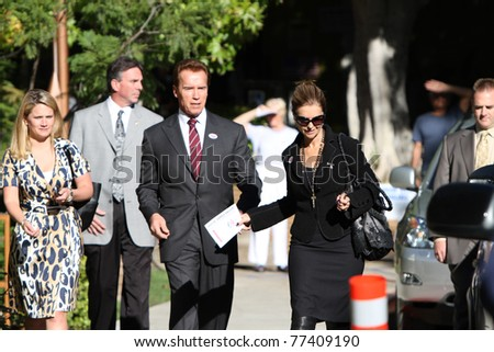 LOS ANGELES - NOV 2: Arnold Schwarzenegger and Maria Shriver voting for the next Governor of California at the Kenter Canyon Elementary School in Los Angeles, CA on March 27,  2011.