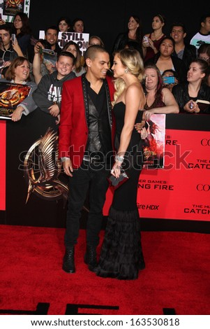 LOS ANGELES - NOV 18:  Evan Ross, Ashlee Simpson at the The Hunger Games:  Catching Fire Premiere at Nokia Theater on November 18, 2013 in Los Angeles, CA
