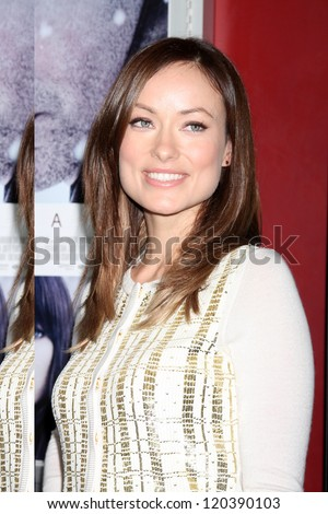 LOS ANGELES - NOV 29:  Olivia Wilde arrives at the 'Deadfall' premiere at ArcLight Hollywood Theaters on November 29, 2012 in Los Angles, CA