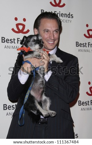 LOS ANGELES - NOV 13: Steve Valentine at the 15th annual Lint Roller Party at the Palladium in Hollywood on 13 November 2008 in Los Angeles, California