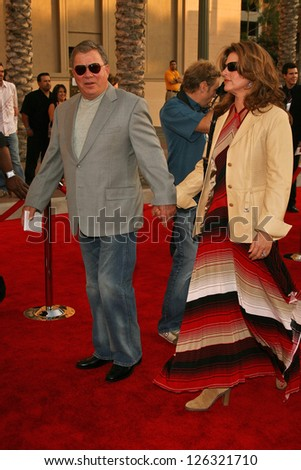 LOS ANGELES - NOVEMBER 21: William Shatner and wife Elizabeth at the 34th Annual American Music Awards at Shrine Auditorium November 21, 2006 in Los Angeles, CA