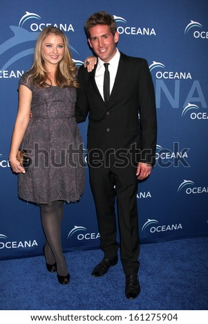 Los angeles oct 30 elisabeth harnois eric szmanda at the oceana s