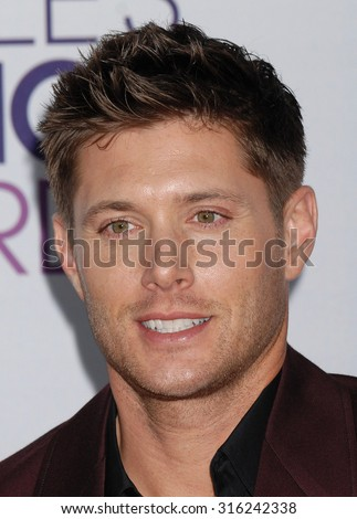 LOS ANGELES - OCT 4:  Jensen Ackles  arrives at the 2013 Peoples Choice Awards  on January 9, 2013 in Los Angeles, CA