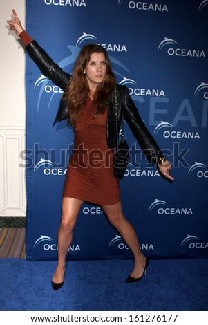 LOS ANGELES - OCT 30:  Kate Walsh at the Oceana's Partners Awards Gala 2013 at Beverly Wilshire Hotel on October 30, 2013 in Beverly Hills, CA