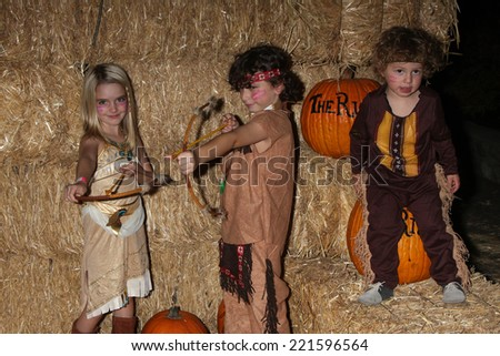 LOS ANGELES - OCT 4:  McKenna Grace, August Maturo, Ocean Maturo at the RISE of the Jack O'Lanterns at Descanso Gardens on October 4, 2014 in La Canada Flintridge, CA