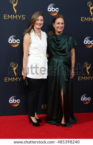 LOS ANGELES - SEP 18:  daughter, Laurie Metcalf at the 2016 Primetime Emmy Awards - Arrivals at the Microsoft Theater on September 18, 2016 in Los Angeles, CA