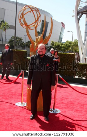LOS ANGELES - SEP 15:  James Lipton arrives at the  Primetime Creative Emmys 2012 at Nokia Theater on September 15, 2012 in Los Angeles, CA