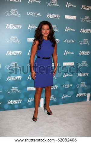 LOS ANGELES - SEP 30:  Katy Mixon arrives at  Variety's 2nd Annual Power of Women Luncheon at Beverly Hills Hotel on September 30, 2010 in Beverly Hills, CA