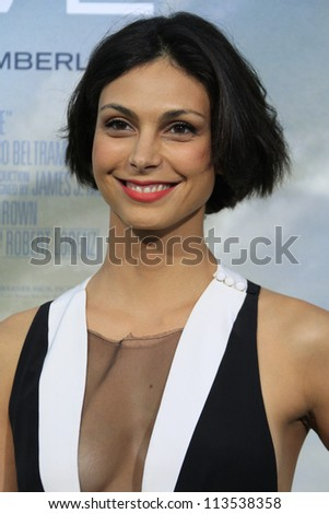 LOS ANGELES - SEP 19: Morena Baccarin at the Premiere of 'Trouble With The Curve' on September 19, 2012 in Los Angeles, California
