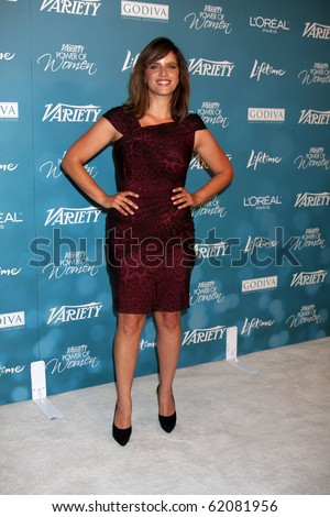 LOS ANGELES - SEP 30:  Noa Tishby arrives at  Variety's 2nd Annual Power of Women Luncheon at Beverly Hills Hotel on September 30, 2010 in Beverly Hills, CA