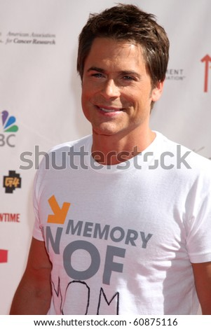 "LOS ANGELES - SEP 10:  Rob Lowe arrives at the ""Stand Up 2 Cancer"" 2010 Event at Sony Studios on September 10, 2010 in Culver City, CA"