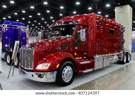 Peterbilt Stock Images, Royalty-Free Images & Vectors | Shutterstock