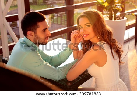 Man admiring woman stock photos royalty free images for Love on the terraces