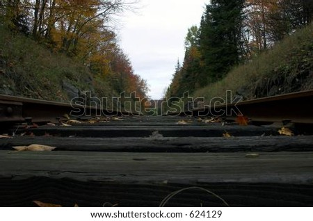 Low-perspective railroad