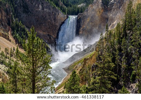 Lower Falls in the Grand Canyon of the Yellowstone in Yellowstone National Park, Wyoming, USA.