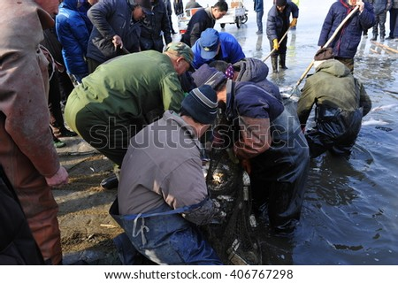 Luannan - Feb. 24: fishermen in the ice fishing, February 24, 2015, hebei province, China