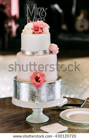 Luxury wedding cake decorated with flowers