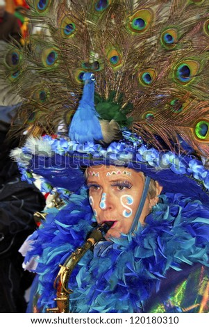 MAASTRICHT, THE NETHERLANDS - FEBRUARY 26: Unidentified musician in the Carnival parade on February 26, 2006 in Maastricht, Netherlands. This parade is organized yearly with about 100,000 visitors. - stock photo
