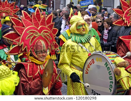MAASTRICHT, THE NETHERLANDS - FEBRUARY 26: Unidentified musicians in the Carnival parade on February 26, 2006 in Maastricht, Netherlands. This parade is organized yearly with about 100,000 visitors. - stock photo