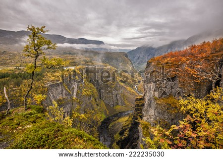 Mabodalen valley situated betwen Hardangervidda and Hardangerfjord National Parks,  in the municipality of Eidfjord, Norway - stock photo