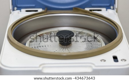 hematocrit test machine
