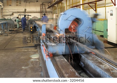 machine for welding steel pipes in a factory