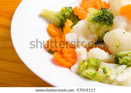 macro of stew vegetables in the plate