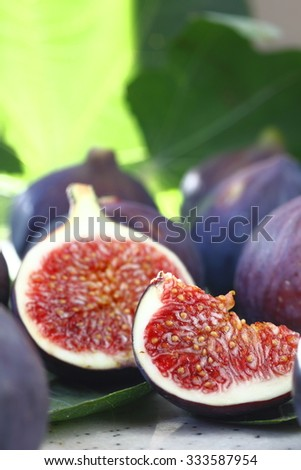 macro photographed in natural light, figs, fruits