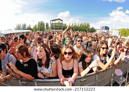MADRID - SEP 13: Crowd at Dcode Festival on September 13, 2014 in Madrid, Spain.