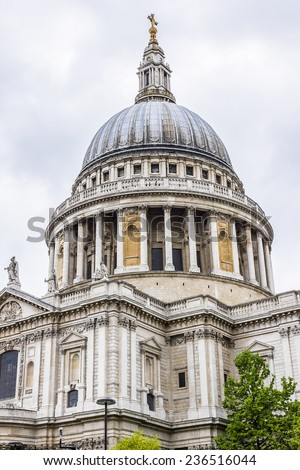 Magnificent St. Paul Cathedral in London. It sits at top of Ludgate Hill - highest point in City of London. Cathedral was built by Christopher Wren between 1675 and 1711.