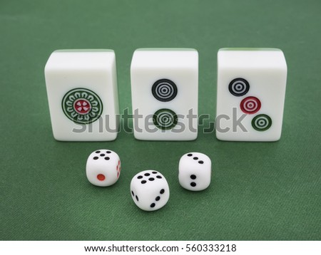 mah jong and dice