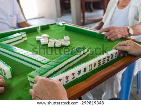 Mahjong Table Game on of