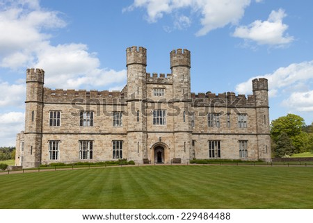 MAIDSTONE, UK: 5th of May 2014:Leeds castle on  5th of May 2014 in MAIDSTONE, UK (Kent district)