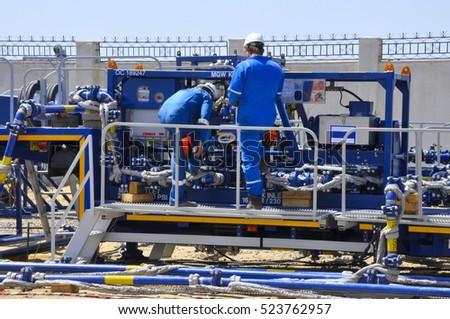 Maintenance engineers at the job