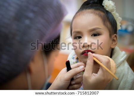 Make up thai girls