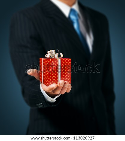 Man holding a gift box