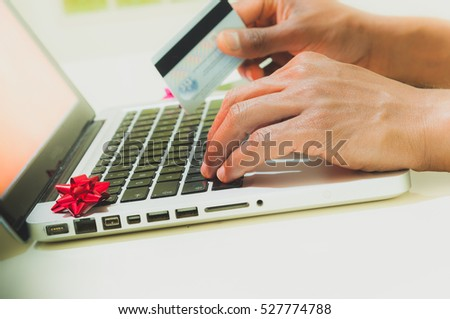 Man shopping for Gift online