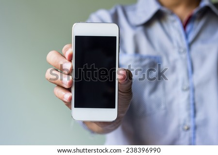 man show his smart phone