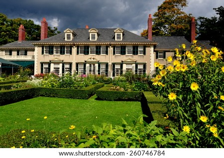 Manchester Village, Vermont - September 17, 2014 :  East Front of Robert Todd Lincoln's 1905 Georgian Revival Summer home and its formal gardens - stock photo