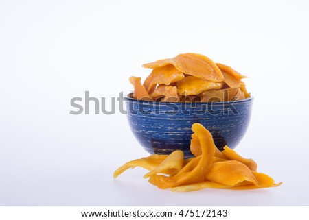 mango dry in bowl or dried mango slices