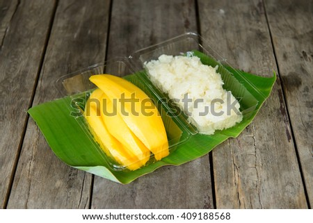 Mango sticky rice in plastic box - Thai dessert