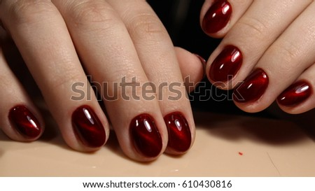 Manicure Nails Red Cats Eye