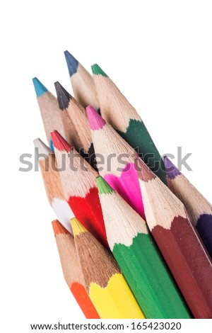 many crayons with different colors / crayons